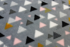 TISSU DOUDOU MULTI TRIANGLES GRIS