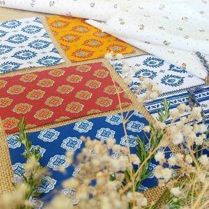 Elles sont bien là, ce sont les CIGALES ❤🌟 . Le traditionnel TISSU PROVENÇAL se décline en une multitude de couleurs pour COLORER votre été ! 👉 Motif calisson, couronne de laurier, lavandin et petites fleurs 👒🌞🌾 . 👉 Retrouvez nos chouchous dans la catégorie Ameublement/Provençaux ❤ Et dans votre magasin préféré ! . . . #provence  #southoffrance  #cestlesud  #tissuprovencal  #cigales  #calisson  #laurier  #thym  #romarin  #lavande  #marseille