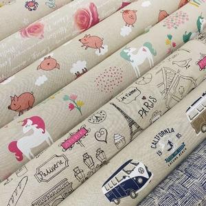 Que pensez-vous de ces tissus pour la confection de vos coussins ou accessoires mode ?? 😍🌈💞 . 👉 Ameublement ➡ Tissus imprimés . 80% coton 20% polyester 200grs/m2 1m40 de largeur . 👉 Partagez vos créations avec  #tissusplus ! 😋 . . . #effetlin  #coton  #polyester  #london  #animaux  #cupcakes  #tropical  #licornes  #chats  #Paris  #automne  #coeurs  #coquelicots  #vans  #savane  #notesdemusique