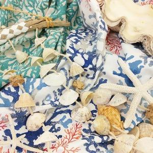 La brise marine et les eaux turquoises vous font rêver ? . 🐋🐚🐬🐡🌊 . Faites entrer le monde marin dans votre décoration et vous aurez l'impression d'être en vacances toute l'année 😇🌈 . 👉 Nos gammes Calédonie & Brisbane n'attendent que vous 😍 . 🌊 Coton enduit ou non 🌊 Coussins / nappes / rideaux / accessoires / sacs de plage . . . #mer  #ocean  #decomarine  #borddemer  #coquillage  #summershell  #etoiledemer  #vacances  #deco  #ameublement  #moninterieur  #tissumer  #creatrice  #rideaux  #coussins  #nappes  #sacdeplage  #caba  #plage  #vartourisme  #paca