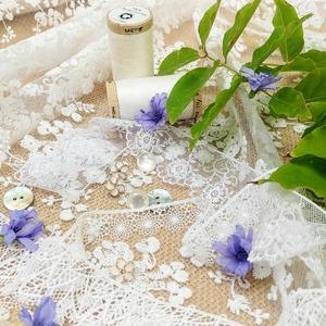 C'est la saison parfaite pour les HEUREUX ÉVÈNEMENTS ! 💍💘👰 . Afin de finaliser vos détails de décoration de mariage, faire-part de baptême et autres événements, vous trouverez en magasin une variété de rubans de satins colorés, boutons de nacre ou en bois, toiles de jute au mètre, tulles, et rubans de dentelles fines !  😍✨👌 🎉 SAVE THE DATE 💞 . . . #mariage  #bapteme  #fête  #tissusaddict  #tissusplus  #dentelle  #tulle  #nacre  #boutons  #ruban  #heureuxevenement  #savethedate  #fleuri  #decomariage  #decobapteme  #boheme  #boho  #naissance  #decorationdetable